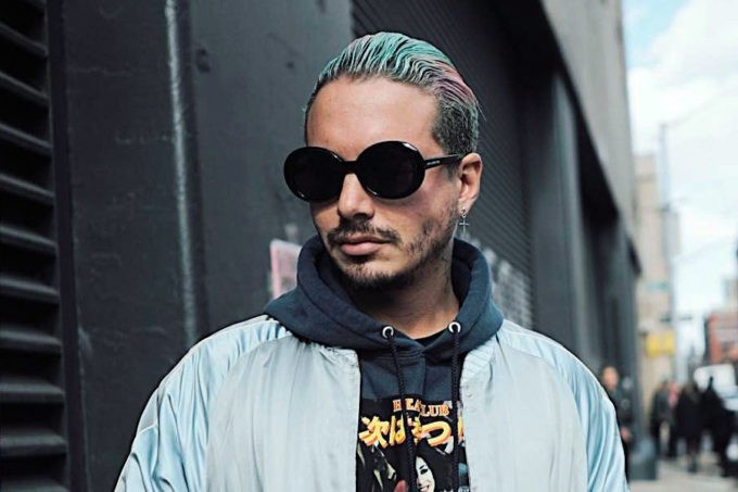 noticia j balvin NYFW embajador moda tendencias lifestyle umomag