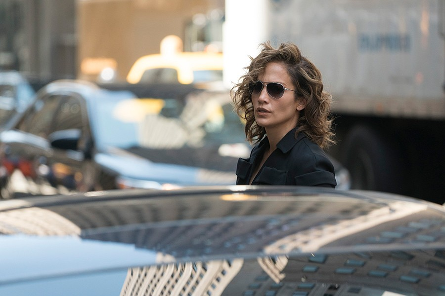 noticia jennifer lopez shades of blue serie nbc drama policial ocio