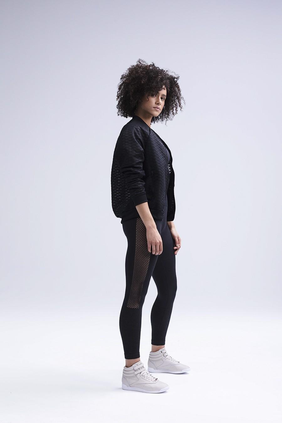 La actriz británica Nathalie Emmanuel es la nueva cara de Reebok