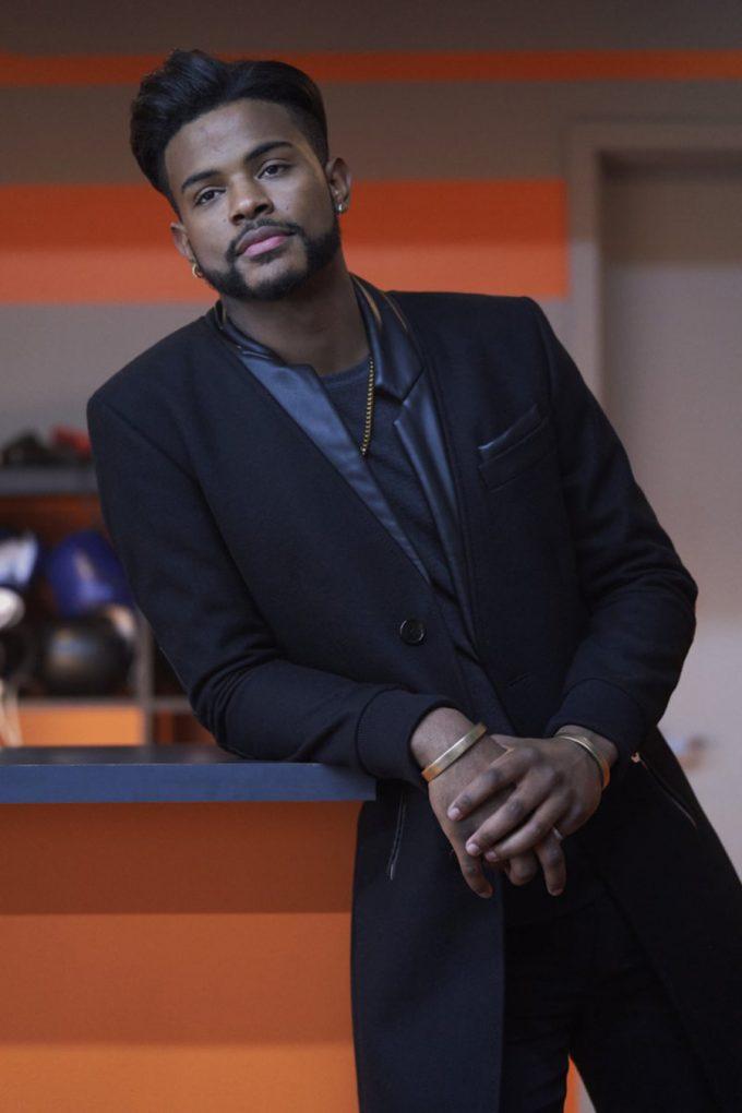 El actor y cantante americano Trevor Jackson da vida al personaje de Youngblood Priest