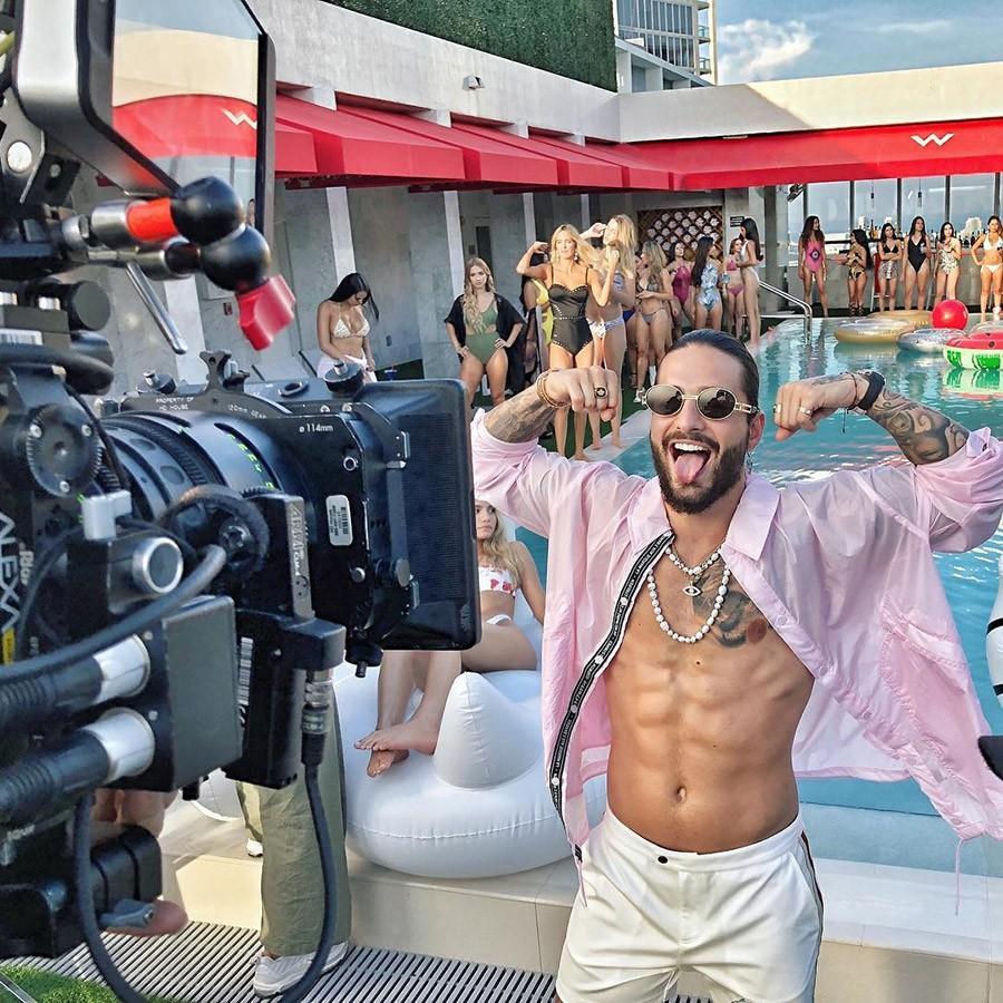 El lujoso Hotel W Miami fue uno de los lugares elegidos para el rodaje de lo próximo de Maluma