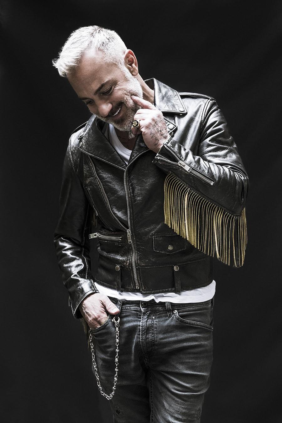 El famoso empresario e entertainer italiano Gianluca Vacchi arrasa este verano en la isla de Ibiza con la fiesta latina 'VIBRA!'