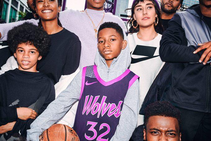 La firma deportiva es el nuevo patrocinador oficial de la liga de baloncesto americano
