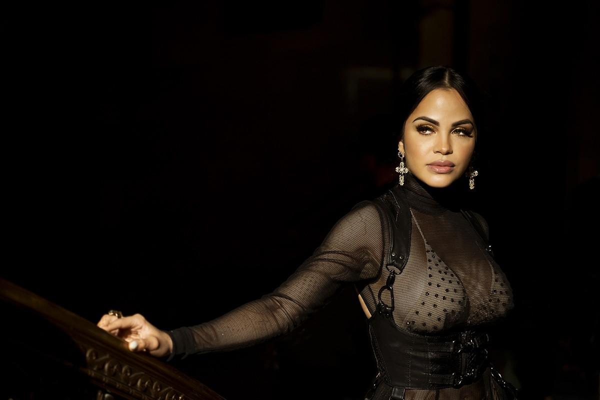 Entrevista a la diva dominicana quien nos habla de sus nominaciones a los Billboard Latin y Premios Lo Nuestro, su esperado álbum 'ilumiNATTI', la New York Fashion Week '19 y más!
