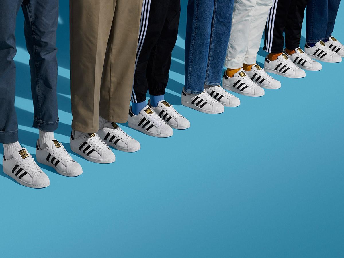 Evaluación Los Alpes Hacer la cama  Adidas Originals celebra el 50 aniversario de las zapatillas Superstar -  UMOMAG.com